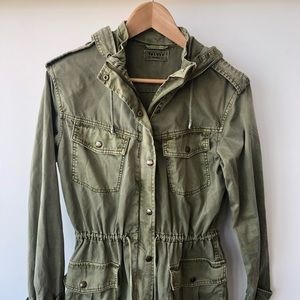 Aritzia Talula Hooded Cargo Jacket olive green